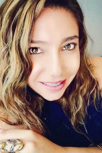 Colombian women & Colombian girls seeking men for a relationship, friendship and marriage. Beautiful girls from Colombia are waiting for you!